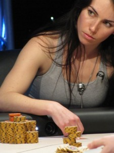Liv-Boeree-Heads-Up-225x300
